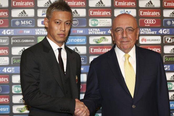 Keisuke Honda ir Adriano Galliani   AP/Scanpix nuotr.