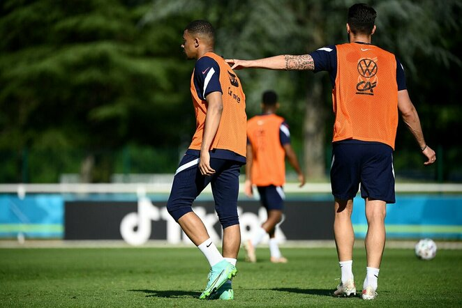 Kylianas Mbappe ir Olivier Giroud | Scanpix nuotr.