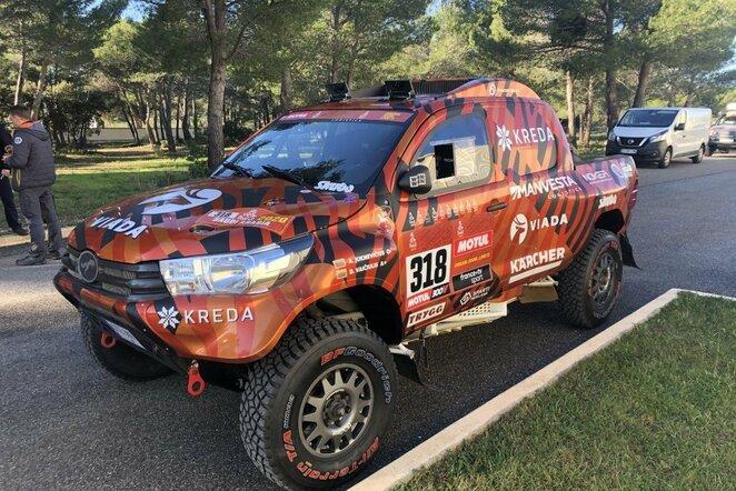 Pietų Prancūzijoje Europos dalyviai atsisveikina su Dakaro technika | Organizatorių nuotr.