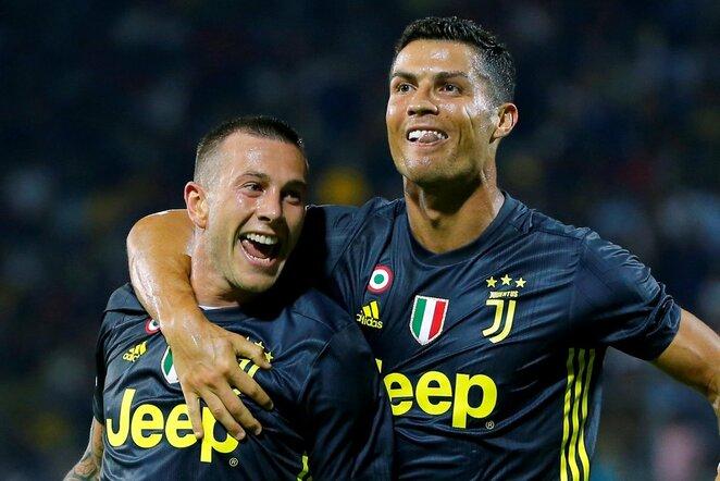 Federico Bernardeschi ir Cristiano Ronaldo   Scanpix nuotr.