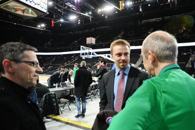 Paulius Motiejūnas (viduryje)   Fotodiena/Roberto Dačkaus nuotr.