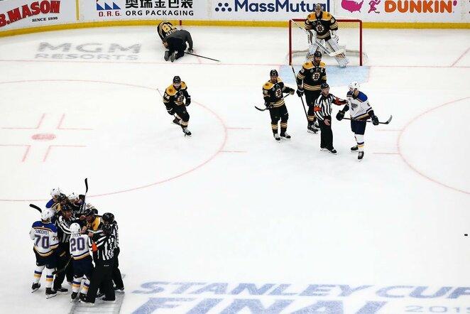 """Bruins"" –""Blues"" rungtynių akimirka | Scanpix nuotr."