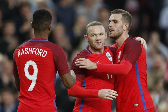 Marcusas Rashfordas (kair.) ir Wayne'as Rooney (centre) | Scanpix nuotr.