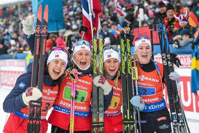 Synnoeve Solemdal, Ingrid Landmark Tandrevold, Tiril Eckhoff ir Marte Olsbu Roeiseland | Scanpix nuotr.