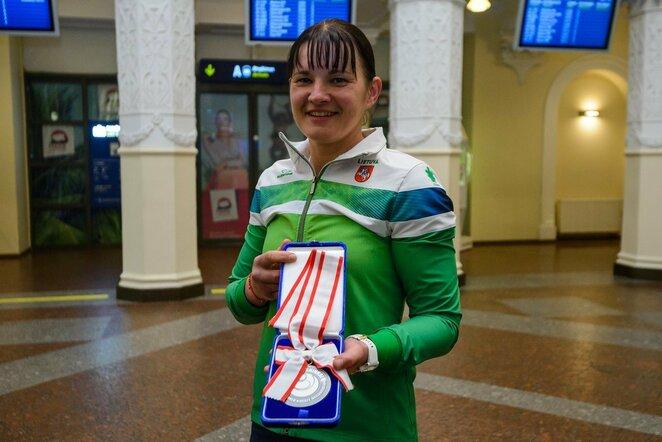 Kyokushin karatė pasaulio vicečempionės I.Mikštaitės sutiktuvės Vilniaus oro uoste l Eimanto Genio nuotr.