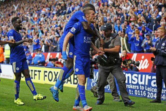 """Leicester"""" futbolininkai švenčia įvartį   Reuters/Scanpix nuotr."""