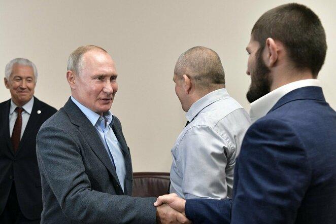 Vladimiras Putinas ir Chabibas Nurmagomedovas | Scanpix nuotr.