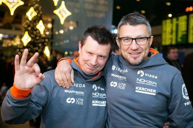 A.Juknevičiaus ir V.Žalos komandos išvyko į Dakaro ralį | Žygimanto Gedvilos / BNS foto nuotr.