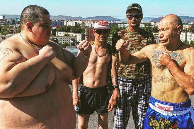 Garsus Rusijos blogeris įveikė 240kg sveriantį varžovą | Instagram.com nuotr