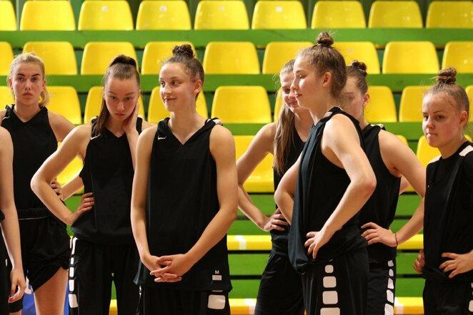 Aštuoniolikmetės pradėjo pasiruošimą Europos krepšinio čempionatui | krepsinionamai.lt nuotr.