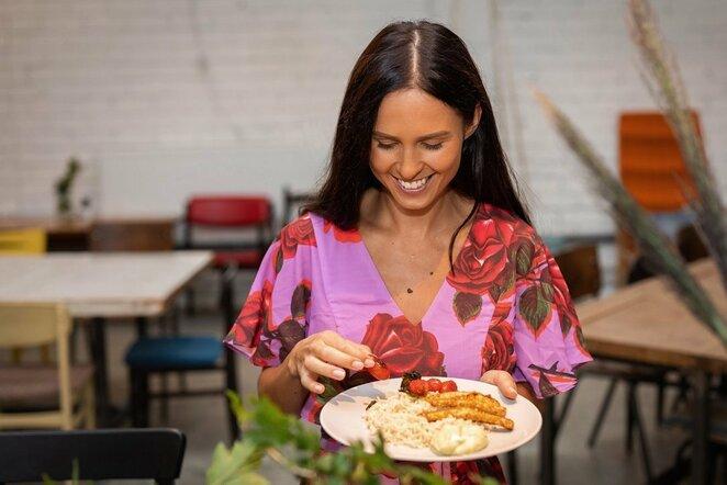 Bėgimui besiruošiančios I.Swan patiekalą įvertino dietologė: ką valgyti sportuojant? | Organizatorių nuotr.