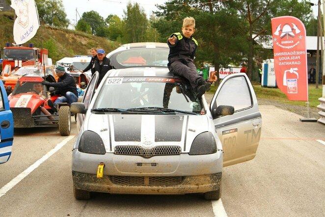 """Rytis Gurklys su """"Toyota Yaris""""   Organizatorių nuotr."""