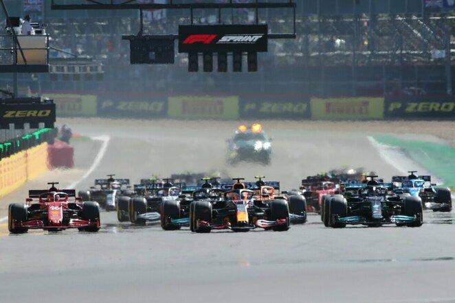 Didžiosios Britanijos GP sprinto lenktynių startas   Scanpix nuotr.