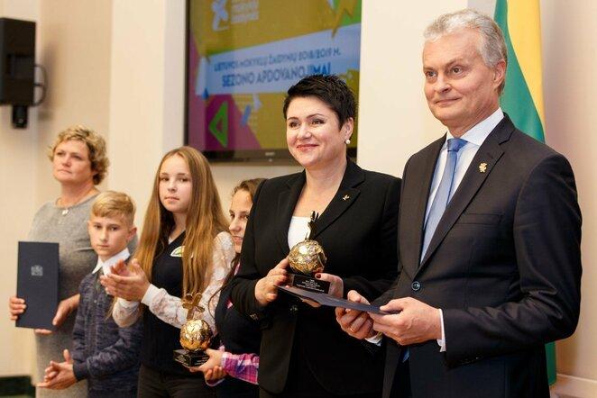 Lietuvos Respublikos Prezidentas G.Nausėda apdovanojo mokyklų žaidynių nugalėtojus | Elvio Žaldario nuotr.