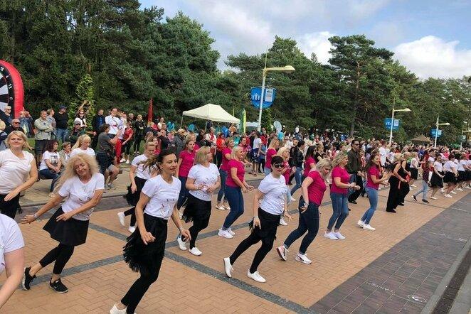Įvairaus lygio šokėjai turėjo galimybę išbandyti jėgas ir pasidžiaugti šokiu   Organizatorių nuotr.