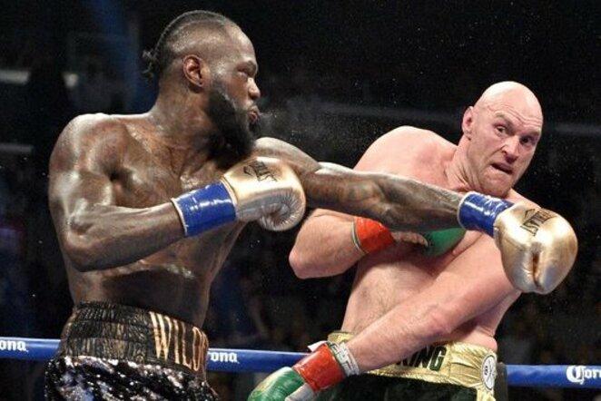 Tysono Fury - Deontay Wilderio kovos akimirka | Scanpix nuotr.