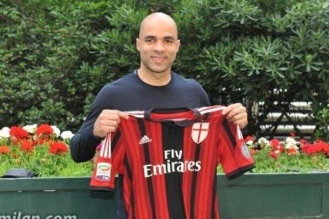 Alexas karjerą tęs Milane   acmilan.com nuotr.
