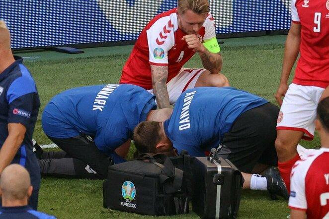 Simonas Kjaeras ir Danijos rinktinės medikai | Scanpix nuotr.
