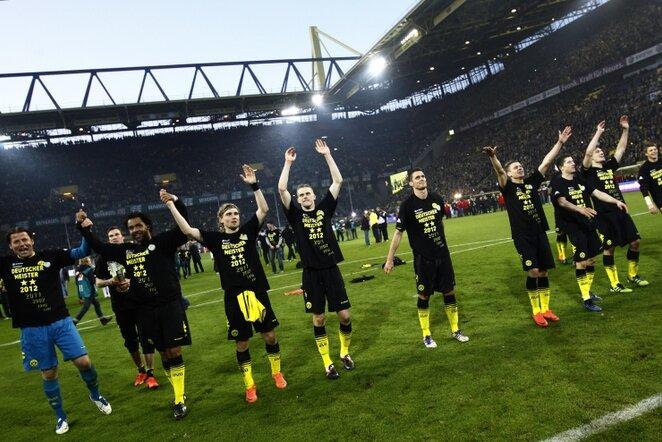 "Dortmundo ""Borussia"" klubas švenčia Vokietijos čempionų titulą | Reuters/Scanpix nuotr."