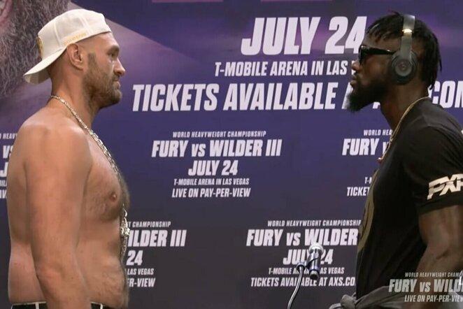 """Tysonas Fury ir Deontay Wilderis   """"Stop"""" kadras"""