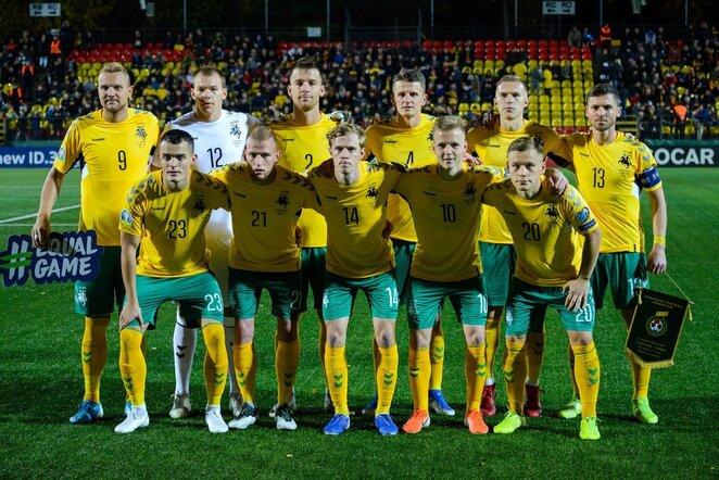 Lietuvos futbolo rinktinė prieš rungtynes su Serbija l Eimanto Genio nuotr.