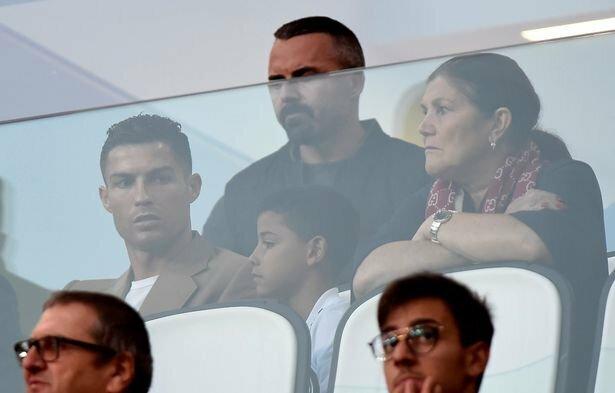 Cristiano Ronaldo ir mama | Organizatorių nuotr.