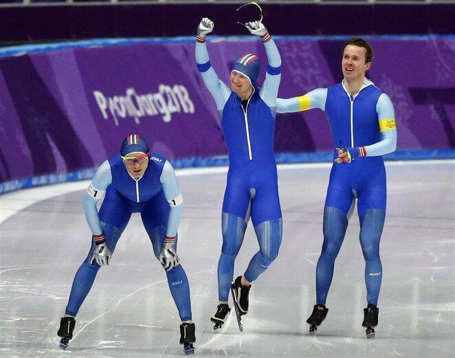 Vyrų greitojo čiuožimo komandinių persekiojimo lenktynių finalai | Scanpix nuotr.