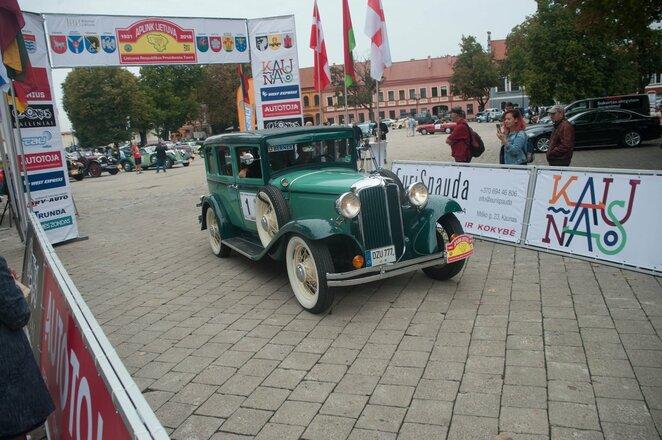 Perlas ralio karūnoje – unikalūs istoriniai automobiliai   Organizatorių nuotr.